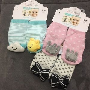 4/20$ 3 pairs of baby rattle socks